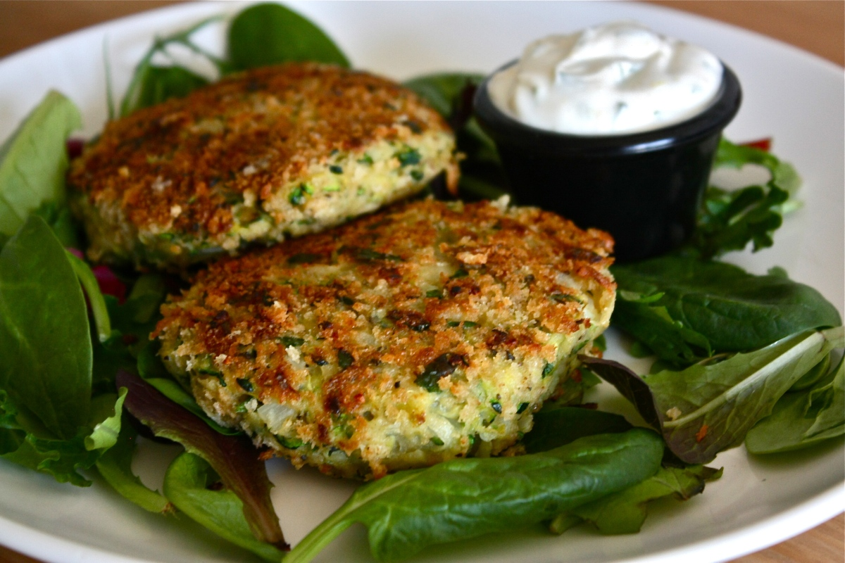 Zucchini cakes with lemon mint aioli