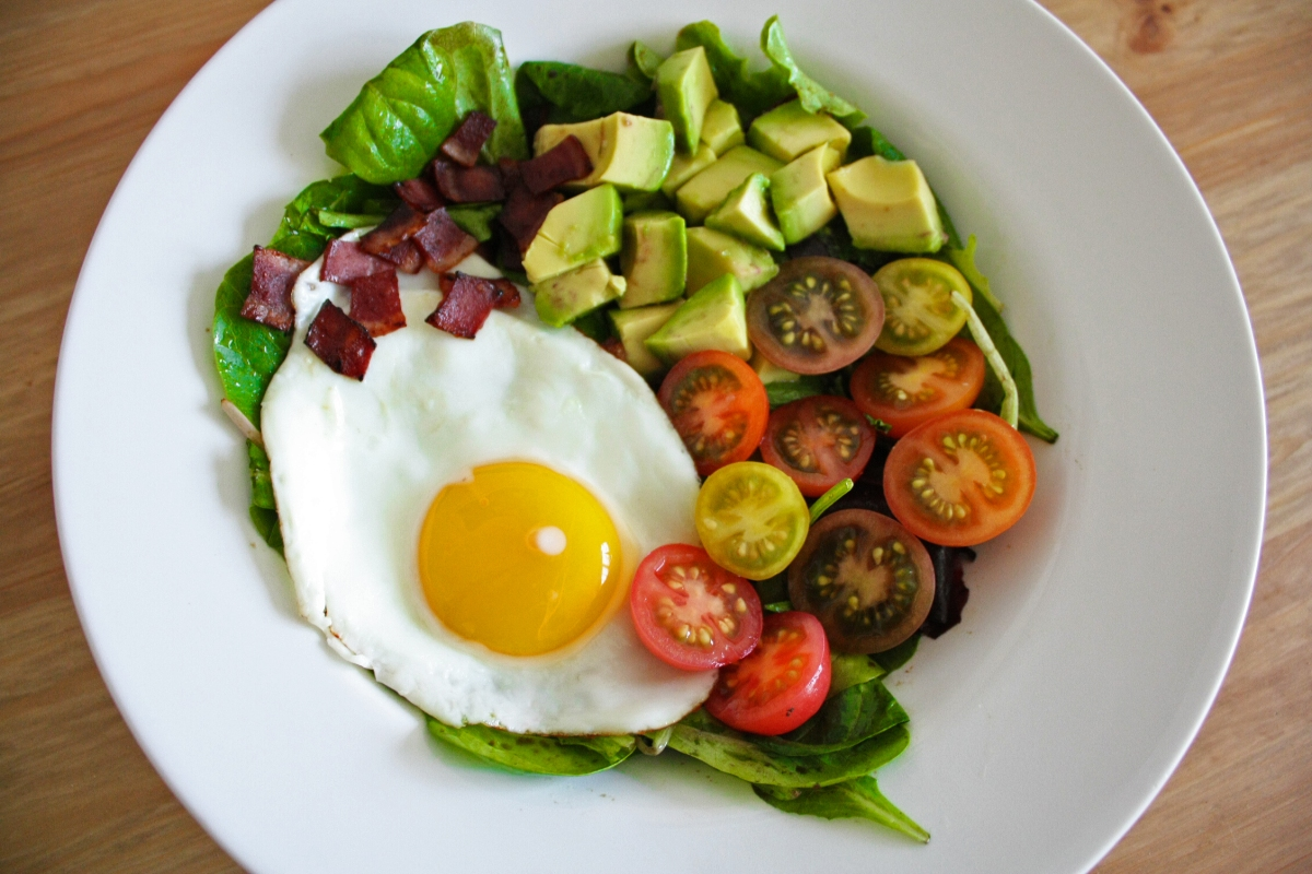 BLTA salad with an egg